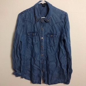 FOREVER 21 DENIM STUDDED BUTTON DOWN